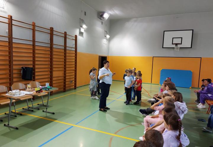 Spotkanie uczniów klas I - III z przedstawicielami PLK